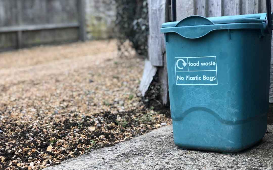 Fighting food waste beyond the fridge